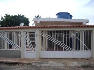 Casa En Ventaen Ciudad Ojeda, Barrio Libertad, Venezuela, VE RAH: 21-12773