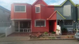 Townhouse En Ventaen Ciudad Ojeda, Cristobal Colon, Venezuela, VE RAH: 21-12775