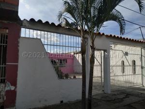 Casa En Ventaen Valencia, Los Caobos, Venezuela, VE RAH: 21-12790