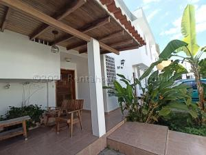 Casa En Ventaen Barquisimeto, Club Hipico Las Trinitarias, Venezuela, VE RAH: 21-6440