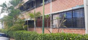 Apartamento En Ventaen Guarenas, Ciudad Casarapa, Venezuela, VE RAH: 21-13858