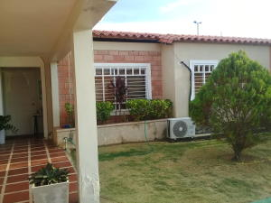 Casa En Alquileren Ciudad Ojeda, La 'l', Venezuela, VE RAH: 21-12850