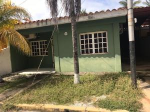 Casa En Ventaen Chichiriviche, Playa Norte, Venezuela, VE RAH: 21-12877