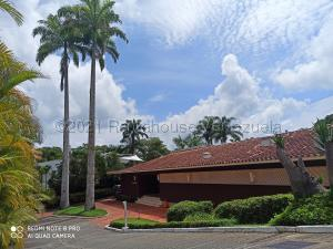 Casa En Ventaen Caracas, La Lagunita Country Club, Venezuela, VE RAH: 21-12932