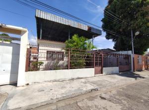 Casa En Ventaen Maracay, La Coromoto, Venezuela, VE RAH: 21-12964