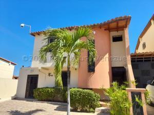 Casa En Ventaen Cabudare, Parroquia José Gregorio, Venezuela, VE RAH: 21-12969