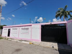 Casa En Ventaen Cabudare, Valle Hondo, Venezuela, VE RAH: 21-12975