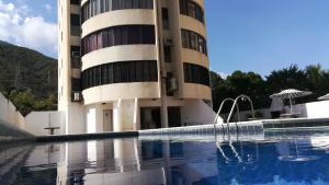 Apartamento En Ventaen La Guaira, Caraballeda, Venezuela, VE RAH: 21-13018