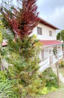 Casa En Ventaen Los Teques, Los Teques, Venezuela, VE RAH: 21-13321