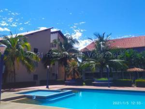 Apartamento En Ventaen Rio Chico, Los Canales De Rio Chico, Venezuela, VE RAH: 21-13737