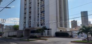 Apartamento En Ventaen Maracaibo, Paraiso, Venezuela, VE RAH: 21-13697