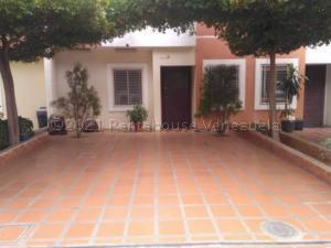 Townhouse En Ventaen Maracaibo, Circunvalacion Dos, Venezuela, VE RAH: 21-8959