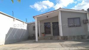 Casa En Ventaen Cabudare, Prados Del Golf, Venezuela, VE RAH: 21-13839
