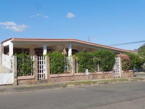 Casa En Ventaen Municipio San Diego, La Esmeralda, Venezuela, VE RAH: 21-13184