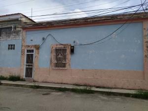 Casa En Ventaen Valencia, La Candelaria, Venezuela, VE RAH: 21-13187