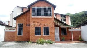 Apartamento En Ventaen Paracotos, Villa Capseoj, Venezuela, VE RAH: 21-13218