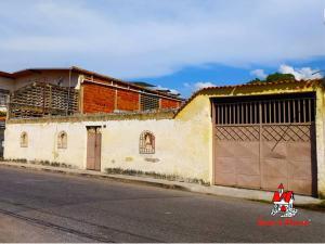 Casa En Ventaen Maracay, La Coromoto, Venezuela, VE RAH: 21-13246