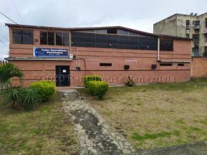 Consultorio Medico  En Ventaen Valencia, Flor Amarillo, Venezuela, VE RAH: 21-13248