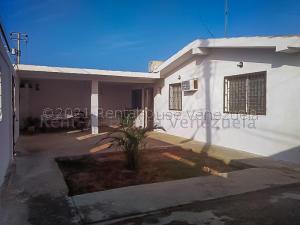 Casa En Ventaen Punto Fijo, Puerta Maraven, Venezuela, VE RAH: 21-13262
