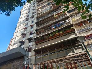 Apartamento En Ventaen Caracas, El Valle, Venezuela, VE RAH: 21-13277