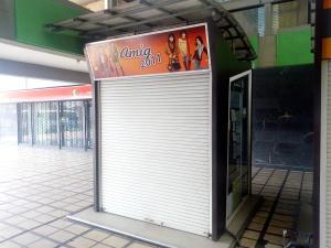Local Comercial En Ventaen Maracay, Avenida Bermudez, Venezuela, VE RAH: 21-13307