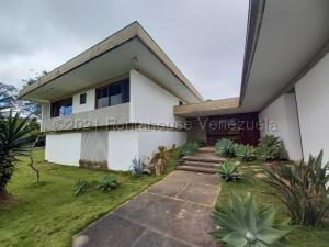 Casa En Ventaen Caracas, La Lagunita Country Club, Venezuela, VE RAH: 21-13330