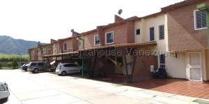 Townhouse En Ventaen Municipio San Diego, Villa Jardin, Venezuela, VE RAH: 21-13332
