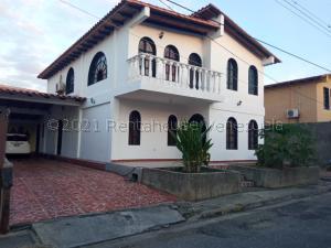 Apartamento En Alquileren Cabudare, La Piedad Sur, Venezuela, VE RAH: 21-13347
