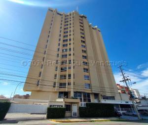 Apartamento En Alquileren Maracaibo, Bellas Artes, Venezuela, VE RAH: 21-13357