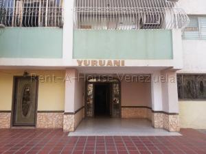 Apartamento En Ventaen Cabimas, Calle Chile, Venezuela, VE RAH: 21-13422