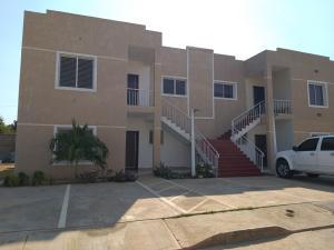 Apartamento En Ventaen Cabimas, Bello Monte, Venezuela, VE RAH: 21-13424