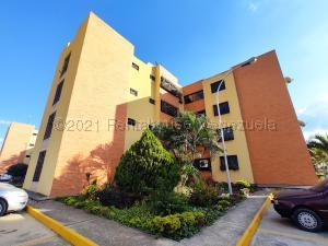 Apartamento En Ventaen Intercomunal Maracay-Turmero, Intercomunal Turmero Maracay, Venezuela, VE RAH: 21-13454