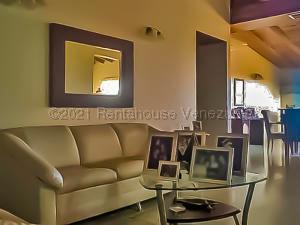 Apartamento En Ventaen Punto Fijo, Santa Irene, Venezuela, VE RAH: 21-13456