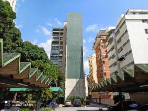 Apartamento En Ventaen Caracas, Los Palos Grandes, Venezuela, VE RAH: 21-14240