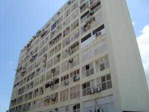 Apartamento En Ventaen Parroquia Caraballeda, Los Corales, Venezuela, VE RAH: 21-13509