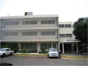 Oficina En Alquileren Maracaibo, Avenida El Milagro, Venezuela, VE RAH: 21-13511