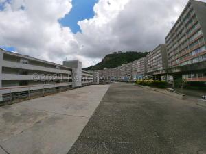 Apartamento En Ventaen Caracas, El Encantado, Venezuela, VE RAH: 21-13520