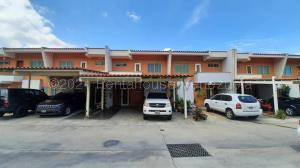 Townhouse En Ventaen Valencia, Trigal Norte, Venezuela, VE RAH: 21-13527