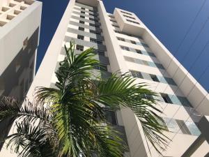 Apartamento En Ventaen Maracaibo, Valle Frio, Venezuela, VE RAH: 21-13530