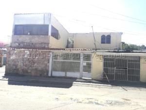 Casa En Ventaen Barquisimeto, Parroquia Juan De Villegas, Venezuela, VE RAH: 21-13522