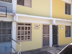 Casa En Ventaen Barquisimeto, Parroquia Juan De Villegas, Venezuela, VE RAH: 21-13532