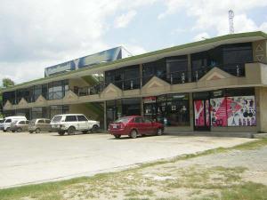 Local Comercial En Ventaen Intercomunal Maracay-Turmero, Intercomunal Turmero Maracay, Venezuela, VE RAH: 21-13541