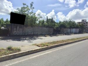 Terreno En Ventaen Cabudare, Parroquia José Gregorio, Venezuela, VE RAH: 21-13549