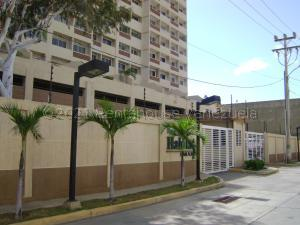Apartamento En Ventaen Maracaibo, Avenida El Milagro, Venezuela, VE RAH: 21-13574