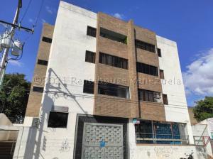 Apartamento En Ventaen Municipio Naguanagua, Casco Central, Venezuela, VE RAH: 21-13580