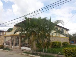 Casa En Ventaen Santa Cruz De Aragua, Jardines De Turagua, Venezuela, VE RAH: 21-13586