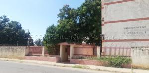 Apartamento En Ventaen Cabimas, Cumana, Venezuela, VE RAH: 21-13613