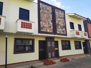 Townhouse En Ventaen Municipio Naguanagua, Tazajal, Venezuela, VE RAH: 21-13798