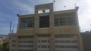 Casa En Ventaen Ciudad Ojeda, Avenida Bolivar, Venezuela, VE RAH: 21-13623