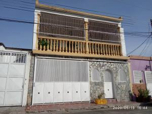Casa En Ventaen Turmero, La Casona, Venezuela, VE RAH: 21-13655
